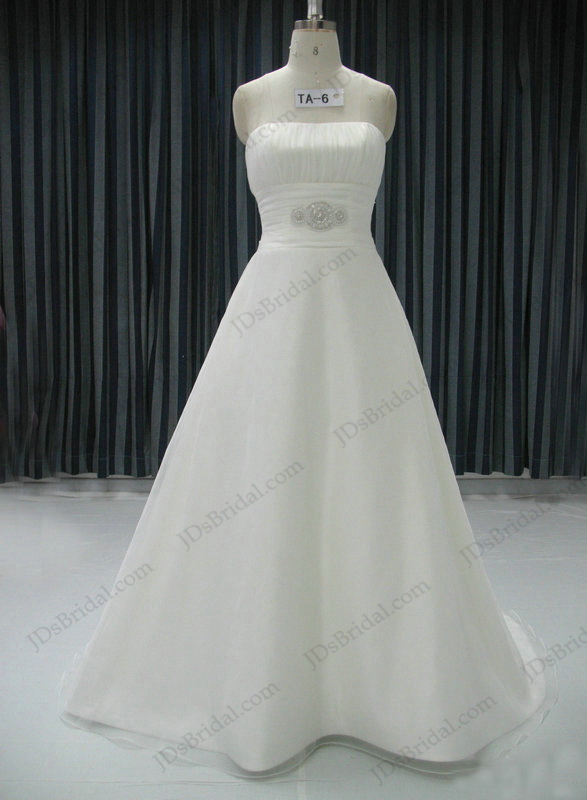 plain and simple wedding dress