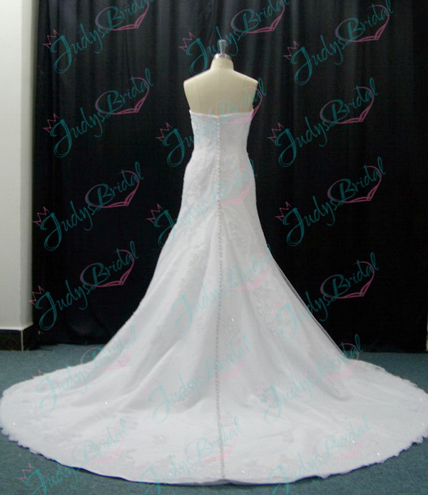sweetheart neckline beaded lace details mermaid wedding dress gowns