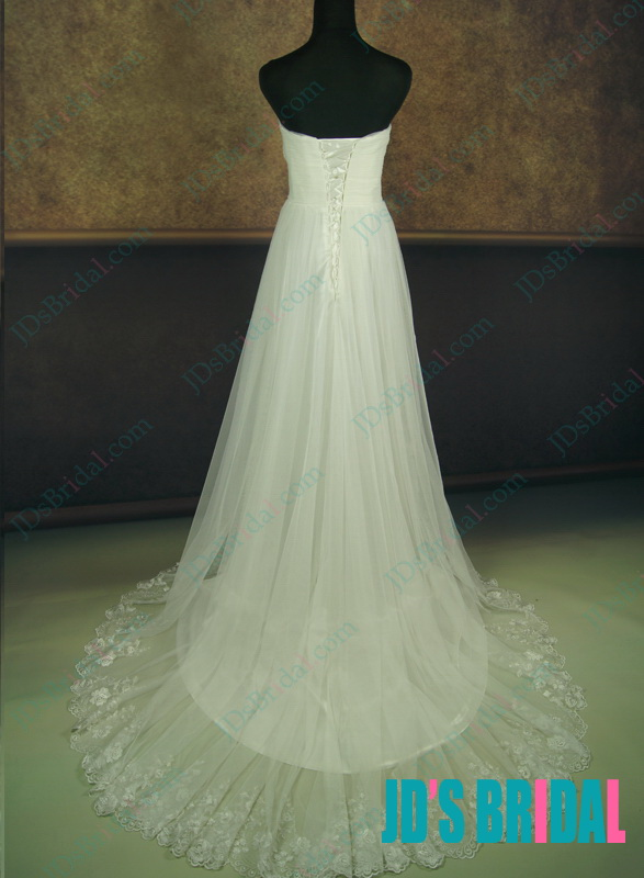 LJ134 strapless sweetheart necked soft and flowing lightweight tulle beach wedding dress for boho wedding