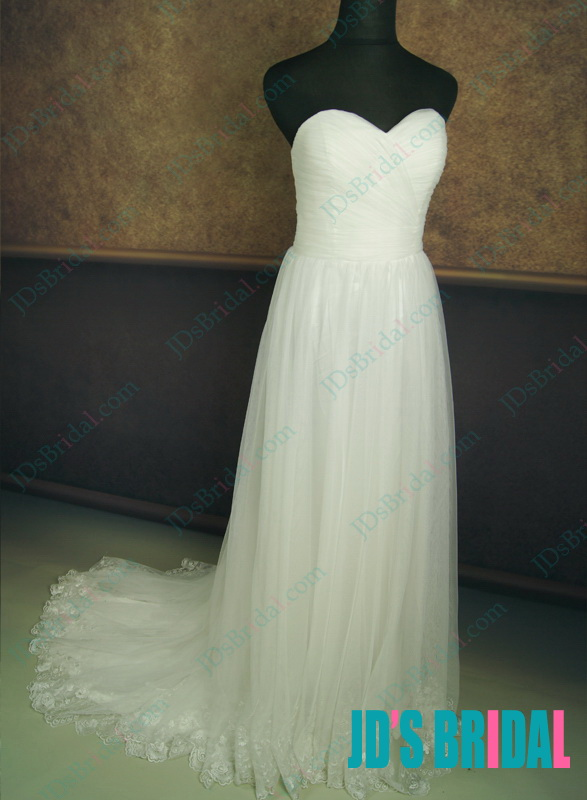 LJ134 Bohemian airy strapless sweetheart necked flowy wedding dress