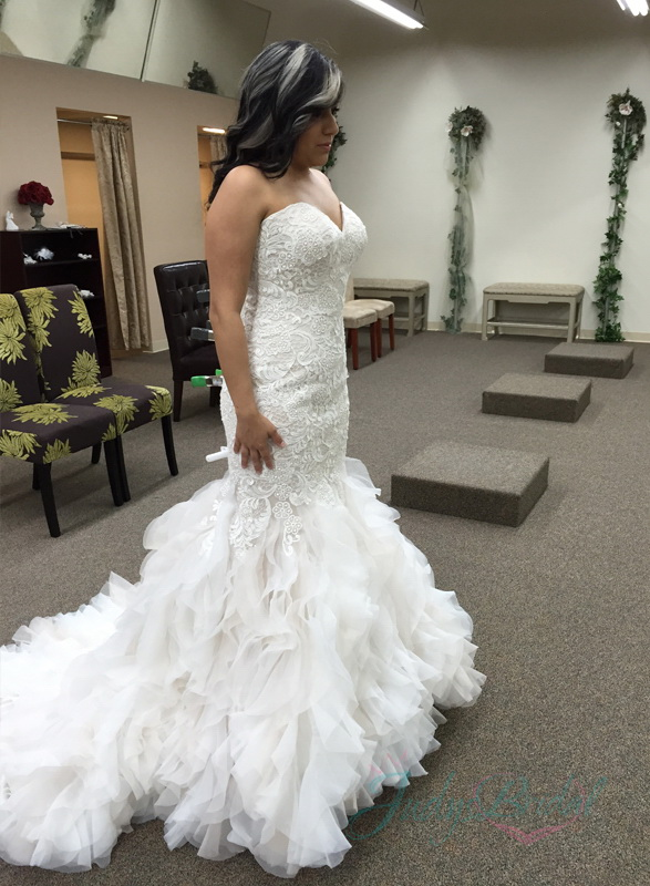 stunning sweetheart neckline lace mermaid wedding dress with organza ruffles bottom