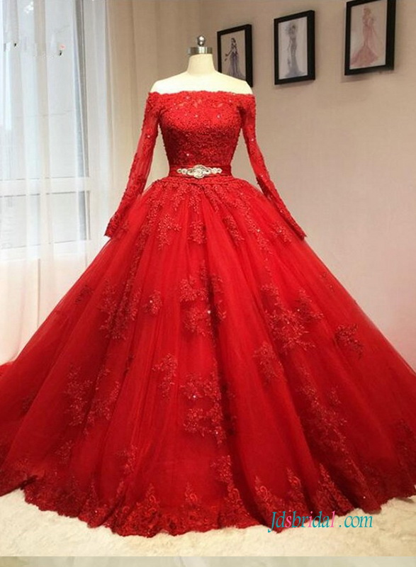 H1246 Vintage Red Long Sleeved Ball Gown Wedding Dress