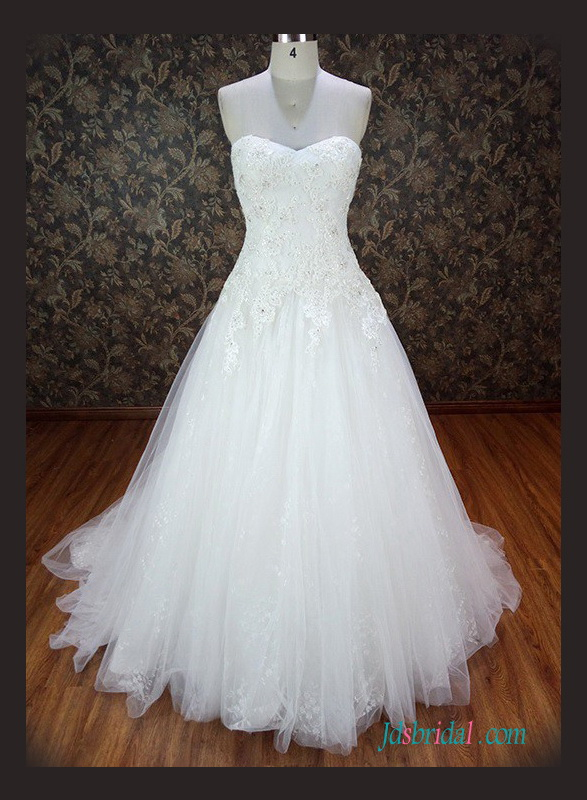 H1253 Sweetheart neck beaded lace tulle ball gown wedding dress