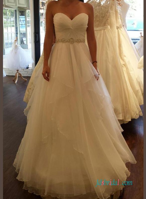 43a571112f4cd H1329 Beautiful sweetheart flowy a line wedding dress :