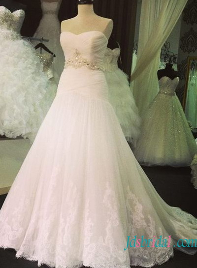 H1335 Beautiful strapless trumpet tulle with lace detailed wedding dress