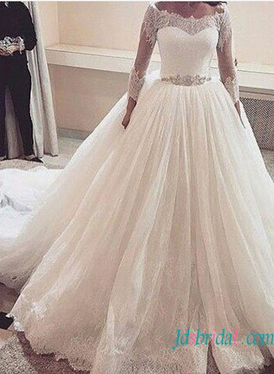 H1344 Classic illusion lace bateau neck 3/4 length sleeved princess wedding dress