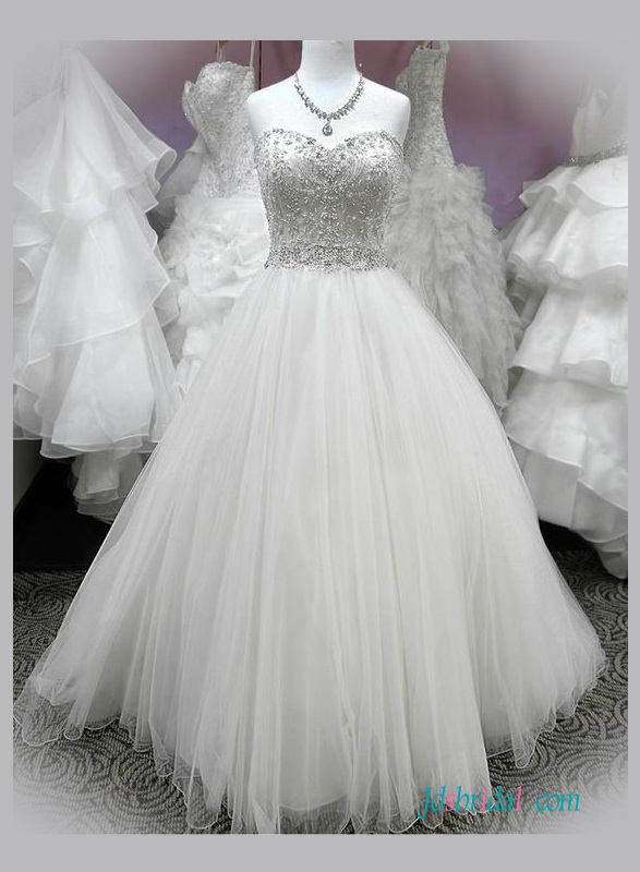 H1346 Stunning beaded embroidery sweetheart neck princess wedding dress