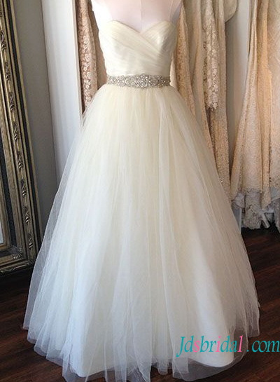 H1349 Simple sweetheart neck tulle wedding dress