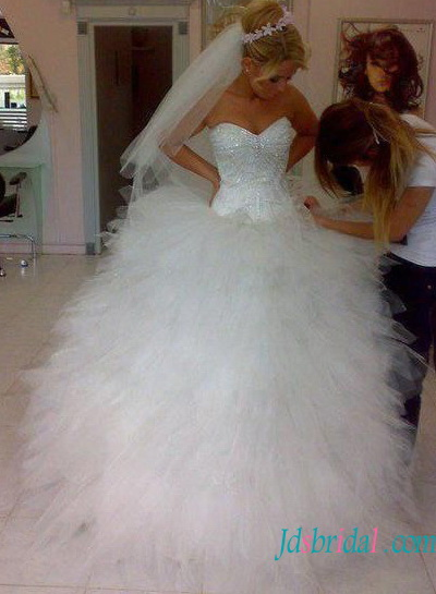 H1525 Sweetheart Messy ruffles tulle ball gown wedding dress