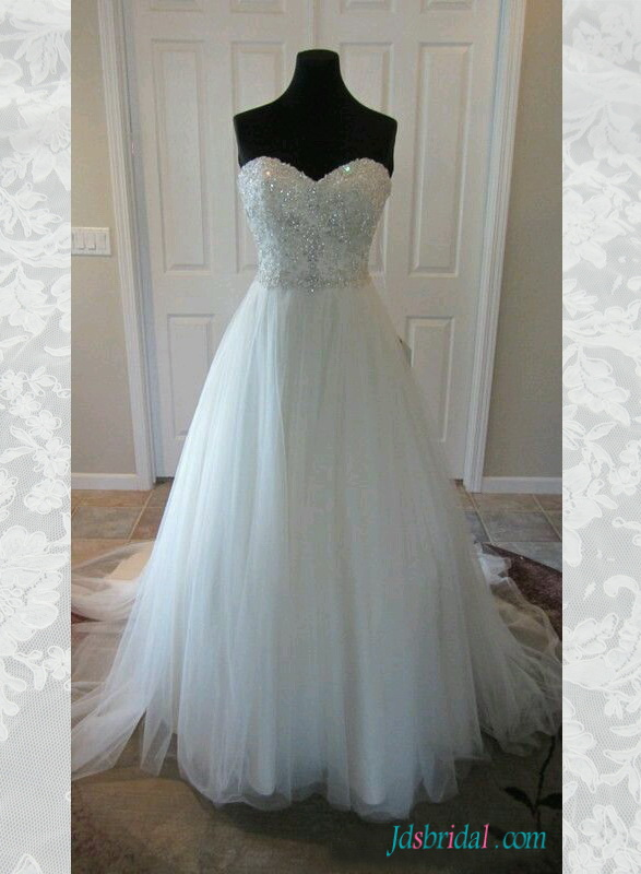 H1552 sparkly beading sweetheart neck tulle wedding dress