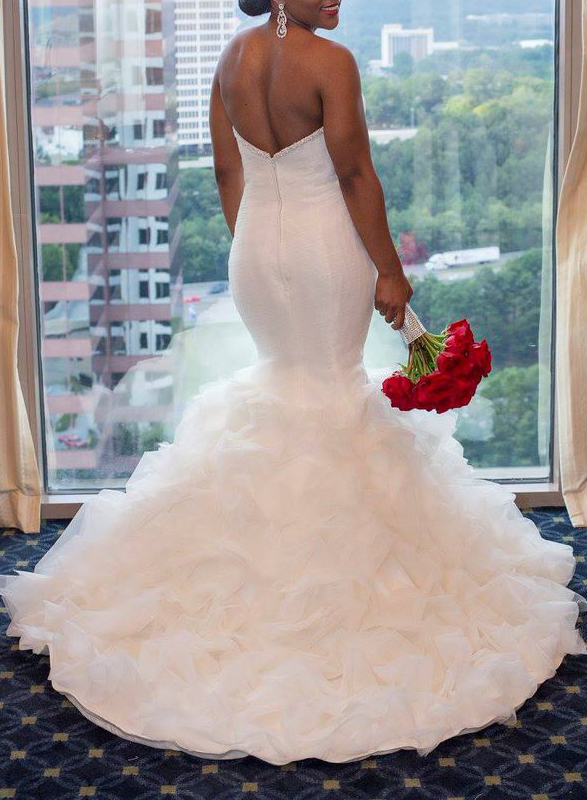 sexy plunging sweetheart neck mermaid wedding dress with ruffles bottom