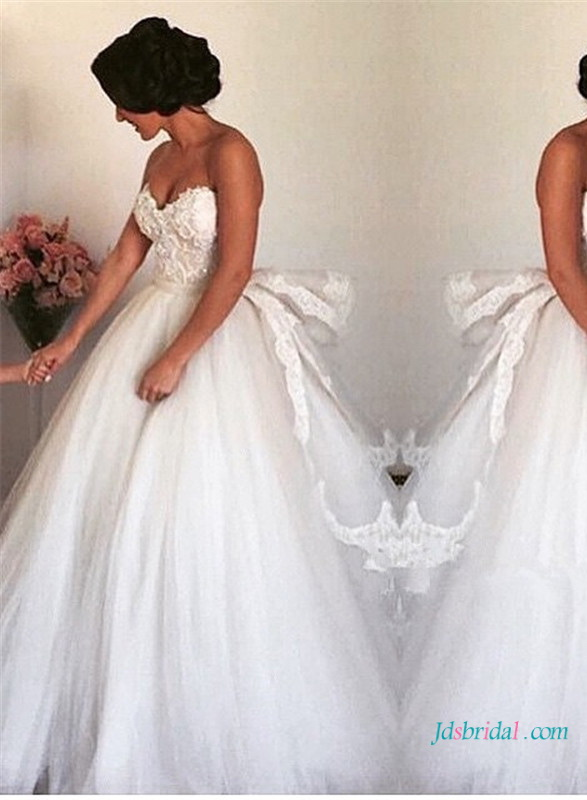 H1636 Fairytale princess tulle wedding dress with tired back