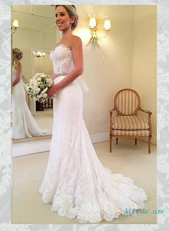 H1637 Elegant sweetheart neckline lace wedding dress :