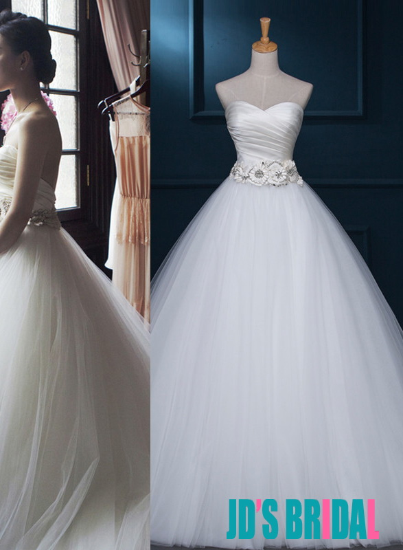a5a274599f8 H1687 Simple elegant sweetheart neck tulle ball gown wedding dress