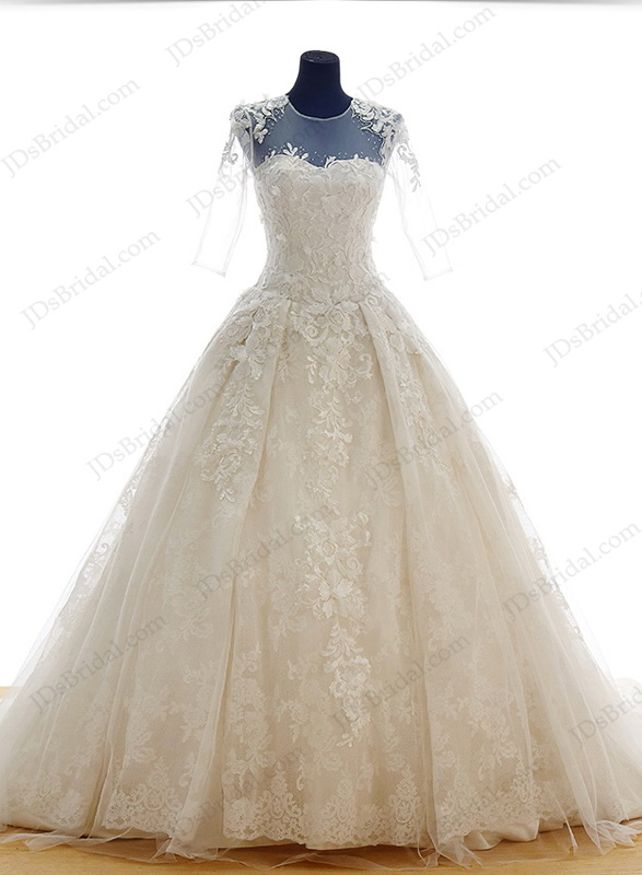 Is048 Luxury Lace Princess Wedding Dress With Big Cathedral Train