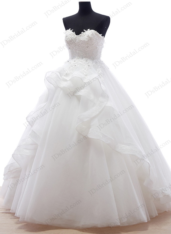 IS051 Plus size tulle sweetheart ball gown wedding dress