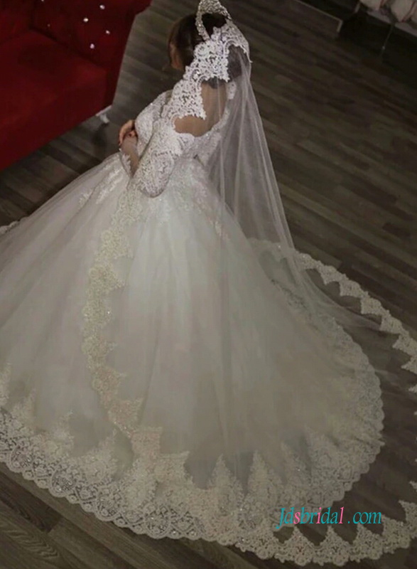 2018 off the shoulder illusion lace long sleeved princess ball gown skirt wedding dress