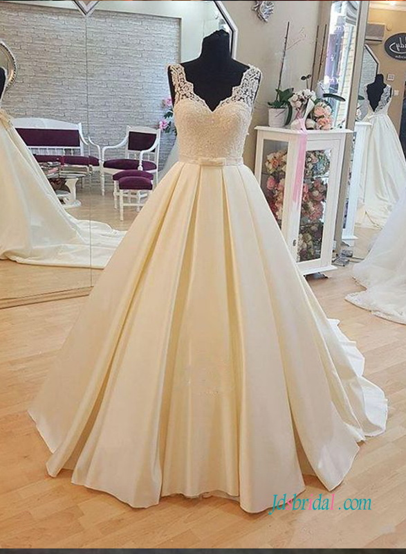 H1002 Simple lace sheer low back princess ball gown bridal dress