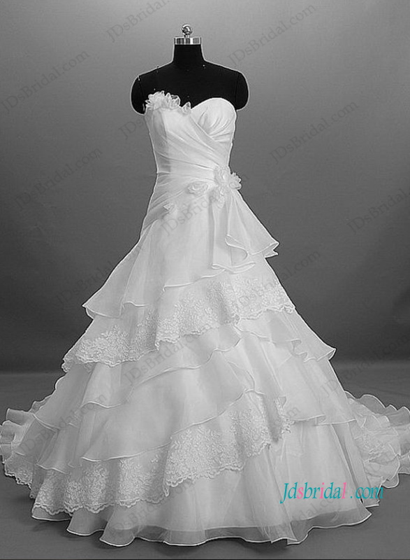H1046 Sweetheart organza tiered ball gown wedding dress