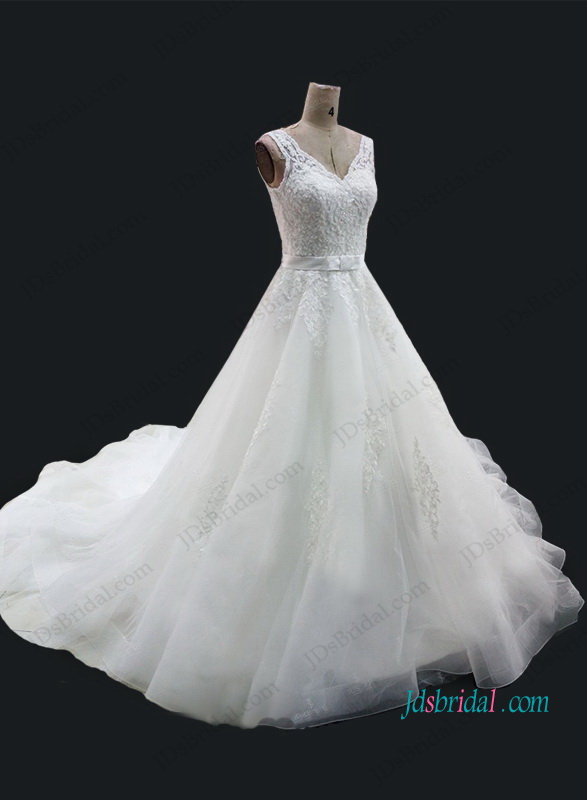 H1055 Beautiful strappy lace organza princess wedding dress