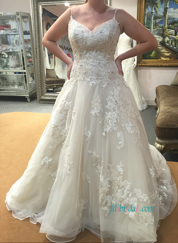 c2f3d0f82c9e7 H1070 Plus size spaghetti straps lace appliqued organza wedding dress
