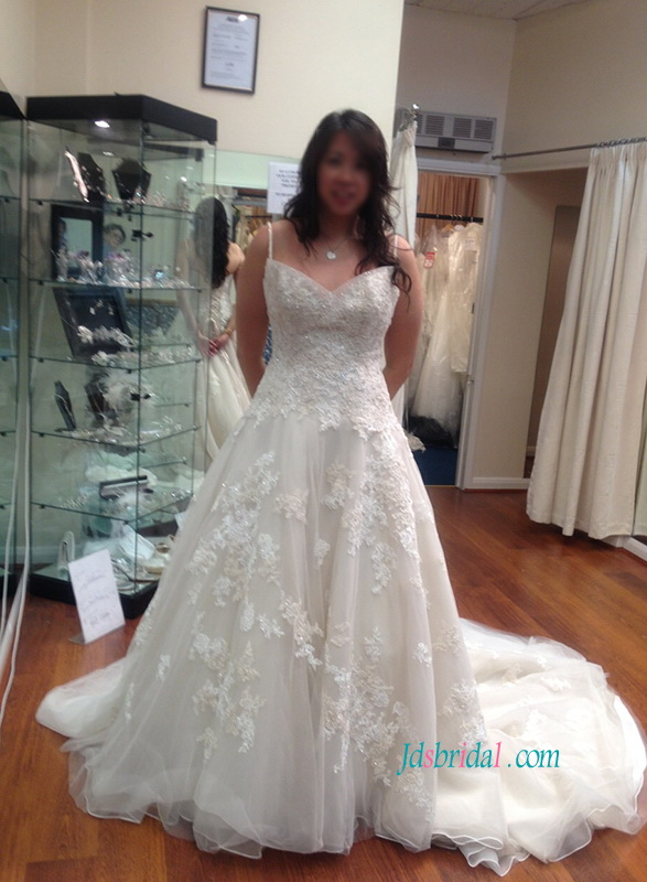 H1070 Plus size spaghetti straps lace appliqued organza wedding dress