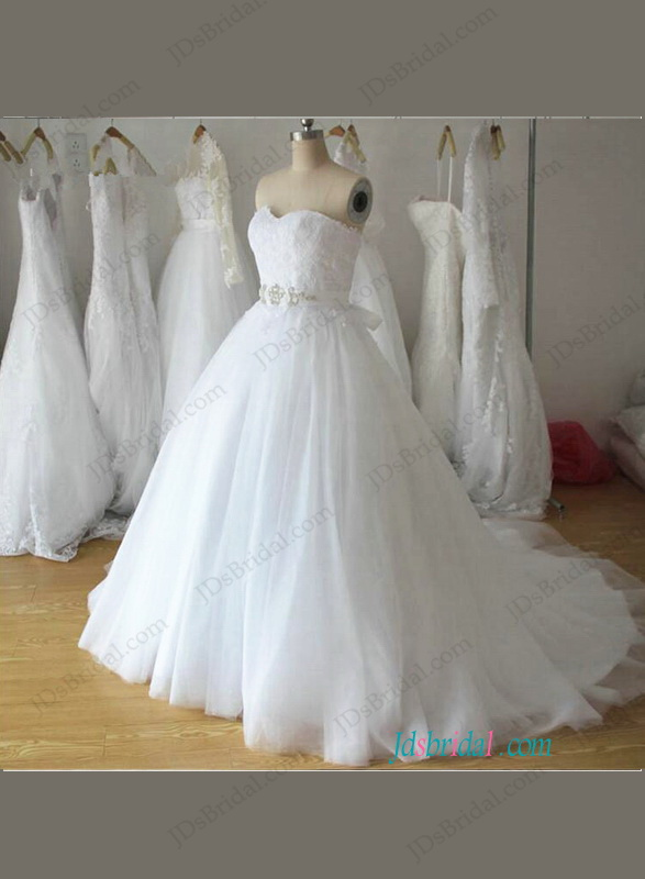 H1103 Plus size sweetheart neck White tulle princess wedding gowns