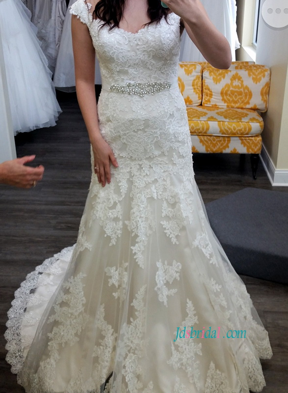 H1116 Modest sweetheart neck lace a line wedding dresses