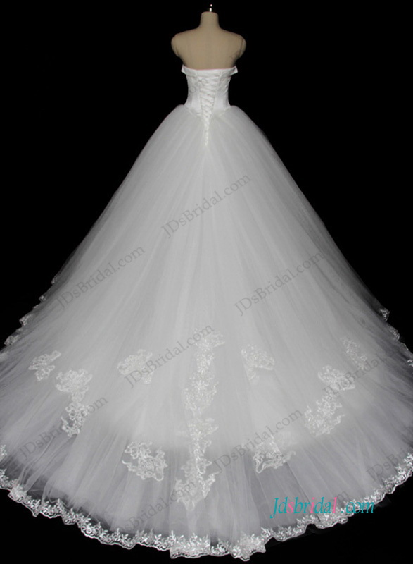Simple sweetheart neckline tulle princess ball gown wedding dress with train
