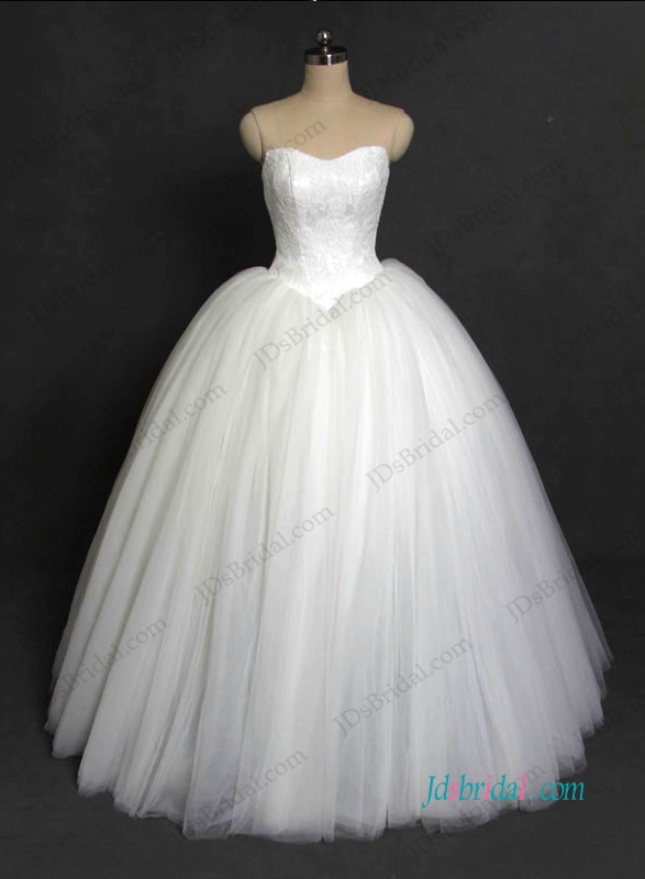 H1213 Sweetheart neck tulle ball gown wedding dress