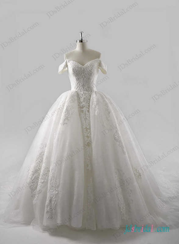 Gorgeous Royal Cathedral Train Princess Ball Gown Wedding Dress 2016 2017