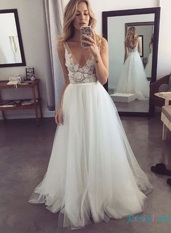 H0802 Sexy sheer v neckline bodice tulle ball gown wedding dress