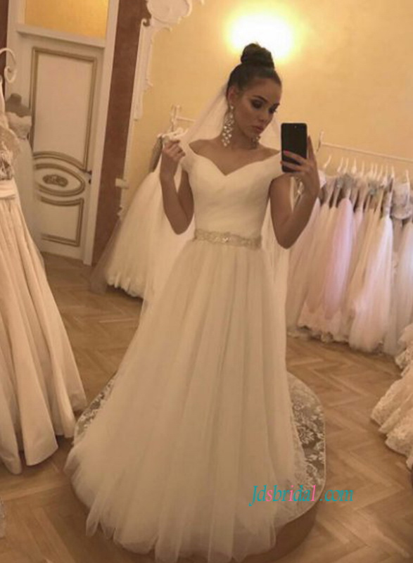 H0813 Simple off the shoulder tulle ball gown wedding dress