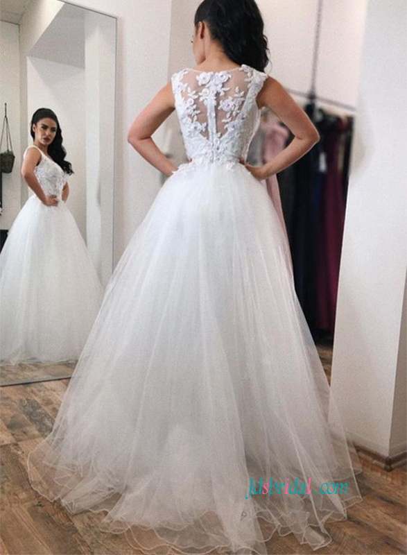 H0816 Beautiful strappy v neckline tulle ball gown wedding dress