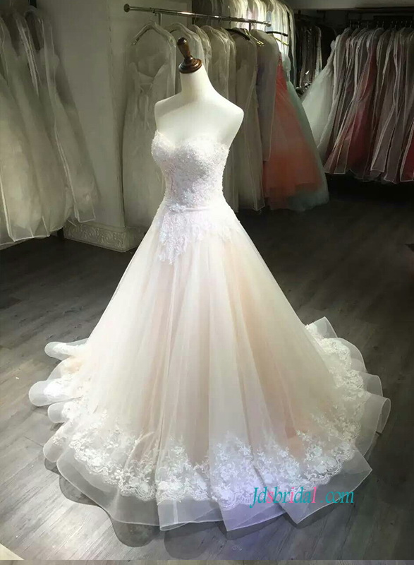 H0832 Beautiful sweetheart neckline organza lace wedding dress