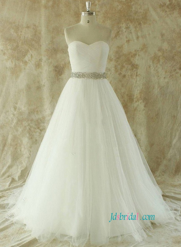 Looking for new 2018 best wedding dresses stylish bridal gowns from ...