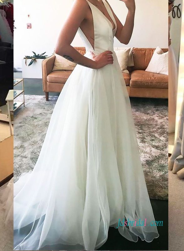 H0908 Sexy simple plunging v neck organza wedding dress