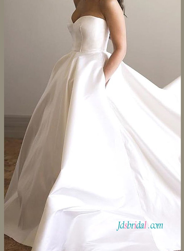 H0932 Simple classic strapless taffeta pockets wedding ball gown