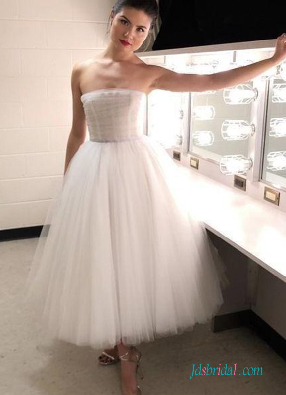 H0519 Beautiful tea length strapless tulle wedding dress