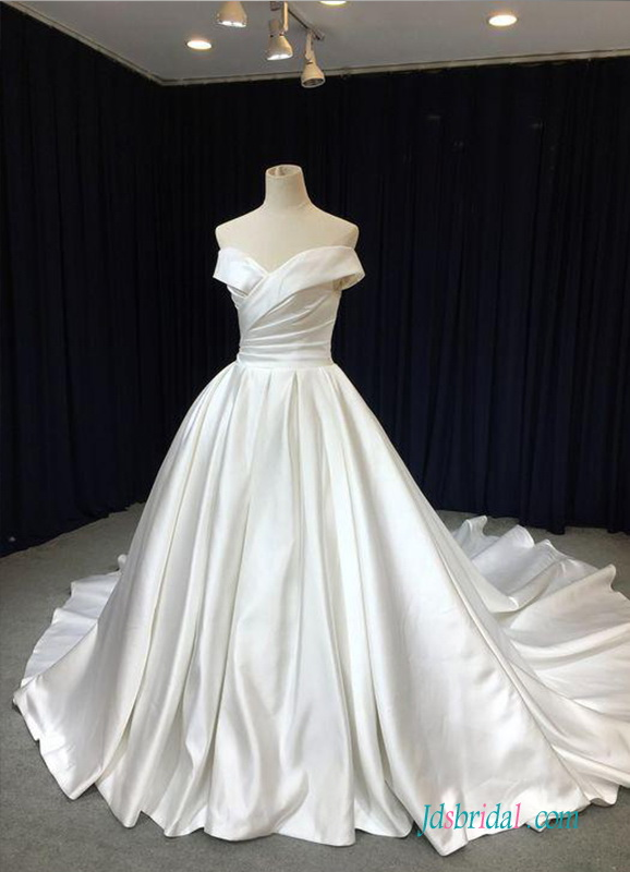 H0529 Graceful off the shoulder princess ball gown wedding dress