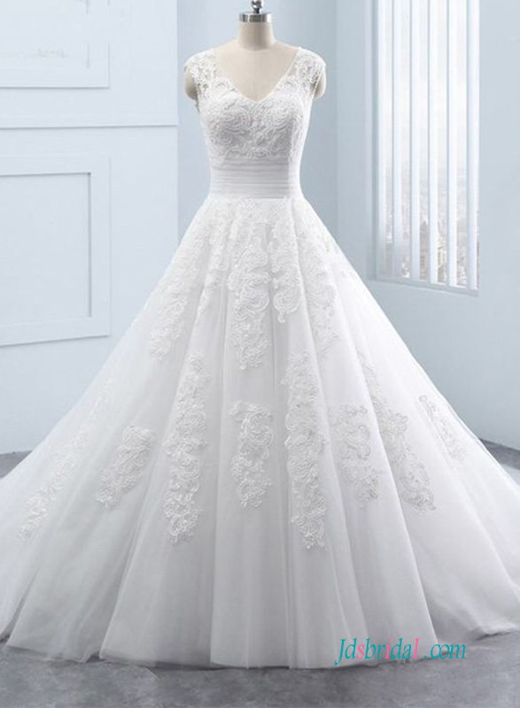 romantic lace sweetheart bodice puffy tulle princess ballgown wedding dress
