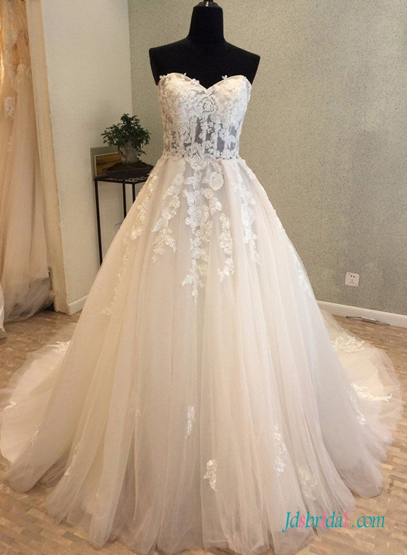 H0653 Beautiful strapless illusion tulle wedding dress
