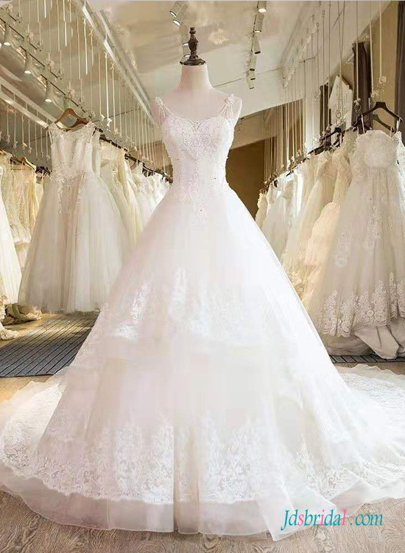 H0663 Beautiful tiered organza ball gown wedding dress