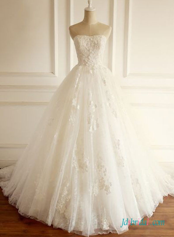 H0669 Strapless princess tulle with lace appliques wedding dress