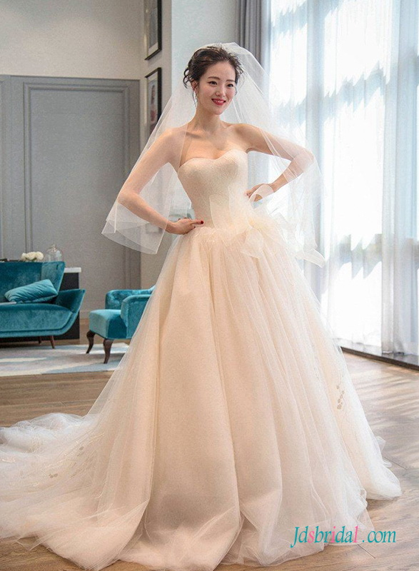 H0700 Romance sweetheart neckline tulle lace wedding dress