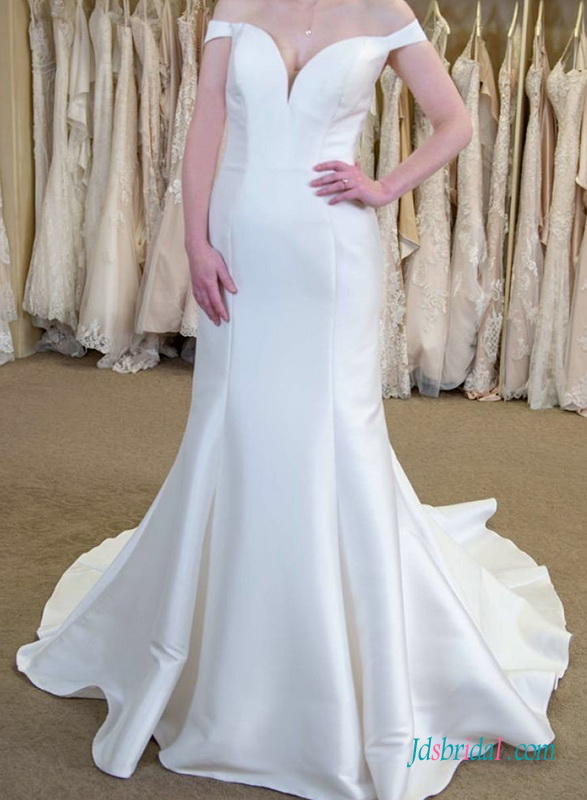 H0715 Sexy off the shoulder mermaid wedding dress with train