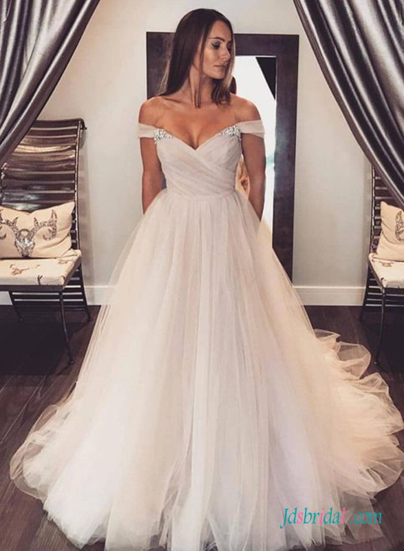 H0735 Off the shoulder sweetheart neckline tulle wedding dress