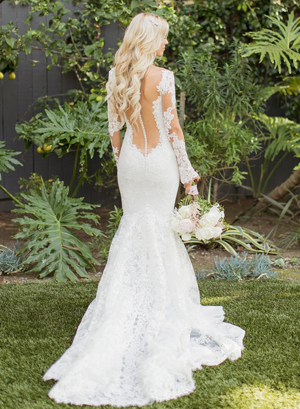 F0020 Sexy sheer tulle back plunging lace mermaid wedding dress